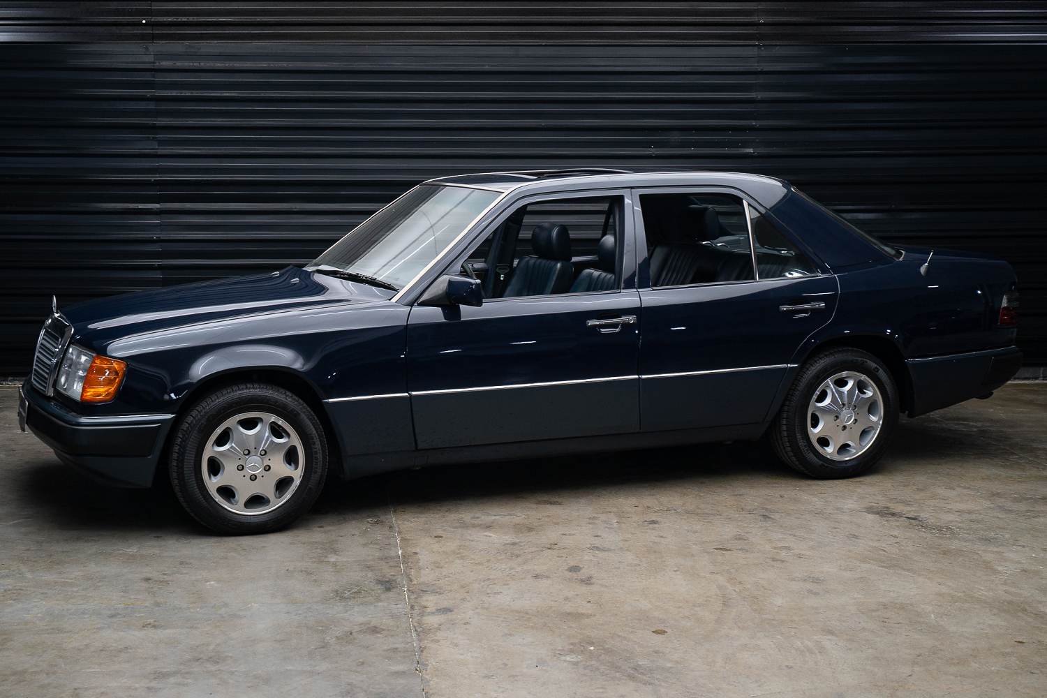 Mercedes-Benz 300 E à venda